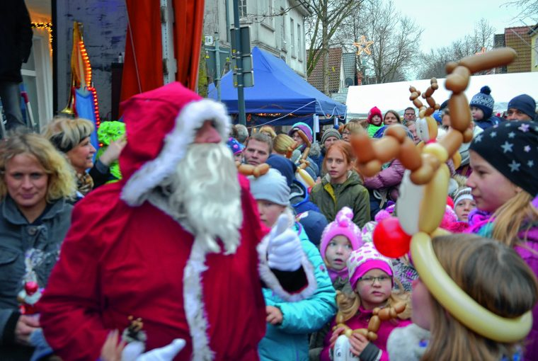 Weihnachtsmarkt im Herzen von Petershagen am Samstag, 1. Dezember