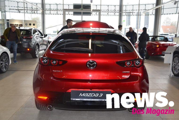 Vorstellung neuer Mazda 3 bei Piper Automobile in Minden