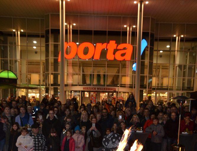 Porta isst mit Moonlight Shopping by Porta Möbel