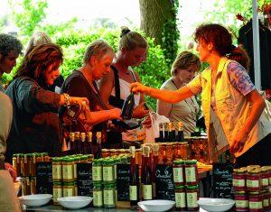 """Romantic Garden, Altstadtfest Rinteln, Pflastertrubel Stadthagen oder das Hoffest der """"Großen Klus"""":"""
