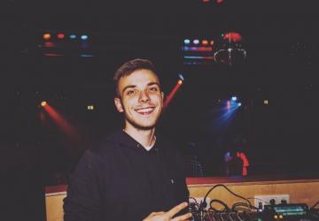 DJ ExChaint