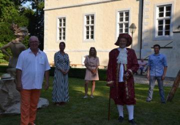 Skulpturen- und Fotoausstellung im Schloss Ovelgönne, Bad Oeynhausen